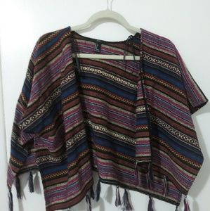 Multicolored Short Sleeved Throw over Cropped
